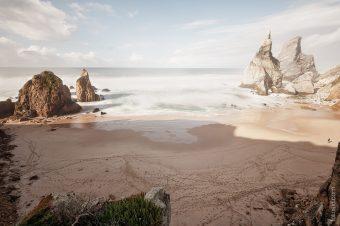 Пляж Ursa атлантического побережья Португалии